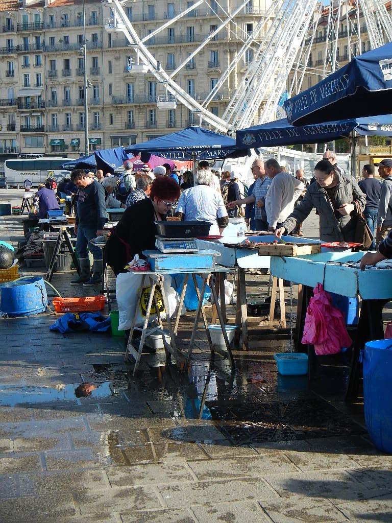 Marseille local fish market fresh fish anyone for Local fish market