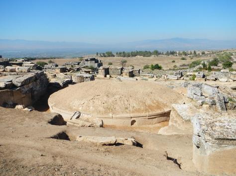 Tumulus Grave, Heirapolis